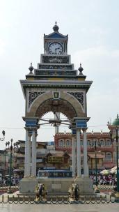 La tour de l'horloge fait partie des nombreux monuments d'architecture coloniale de la ville