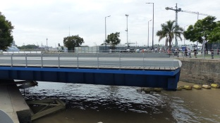 Pont pivotant à Puerto Madero